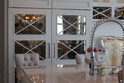 mirrored kitchen cabinets place the mirrored cabinet doors in your kitchen theydesign net theydesign net