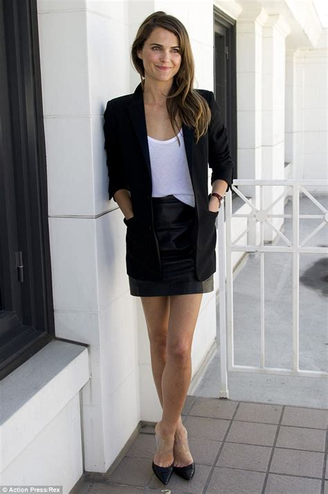 keri russell on instagram keri russell poses in miniskirt at dawn of the planet of