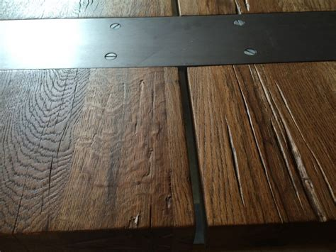 gestell in einem laden esstisch massiv eiche tisch im industriedesign mit einem