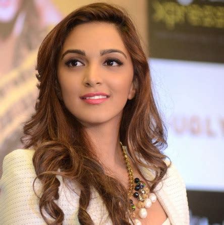 kiara advani hot pics free kiara advani hot pics free download wallpaper