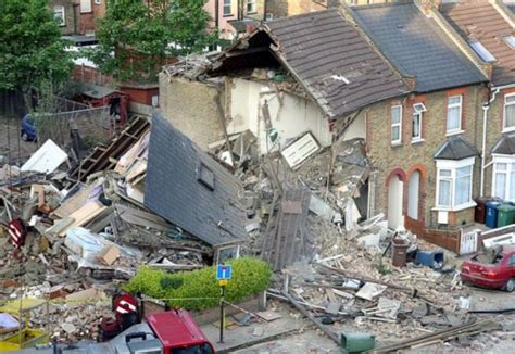 man found dead in morgan park house explosion died of police launch murder investigation after massive gas