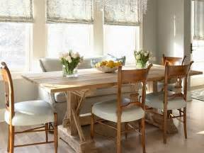 Cottage Dining Rooms by Decorating With A Country Cottage Theme