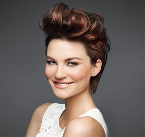 short hair on large ladies cute short hairstyles for the ladies youne