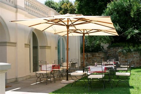 ombrelloni da giardino in legno ombrelloni da esterno ombrelloni da giardino