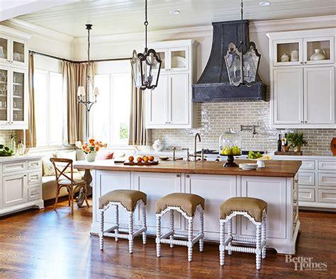 Kitchen Cabinet Top Molding pretty parisian kitchens