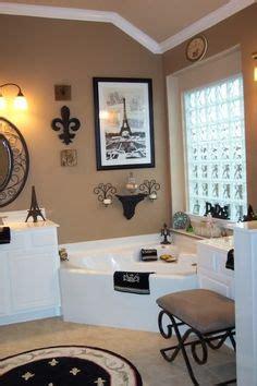 pariser badezimmerdekor vintage look m 246 bel als akzent in ihrer modernen wohnung