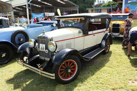 Auto Geschichte by Rugby Automobile