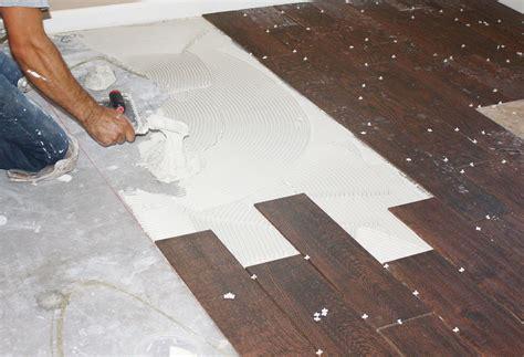 wood grain tile flooring  transforms  house