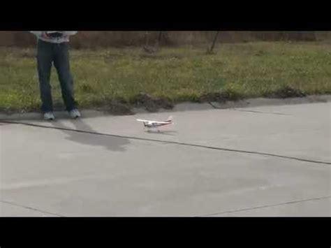 Harga Pesawat Remot Kontrol Murah by Demo Pesawat Mainan Remot Mikro Cessna 182 Light