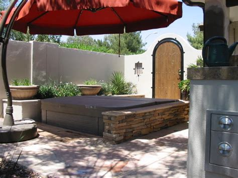 Townhouse Backyard Landscaping Good Looking Offset Umbrella In Landscape Contemporary
