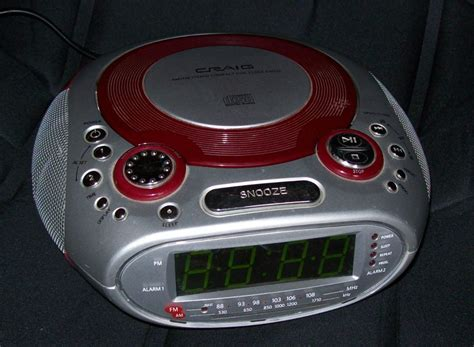 craig dual alarm am fm clock radio with cd player cr41475r digital clocks clock radios