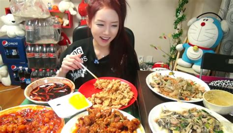 korean eat korean trend quot mukbang quot sees strangers binge food