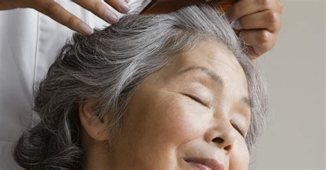 how to bring out grey hair how to bring out gray in hair 25 best ideas about going