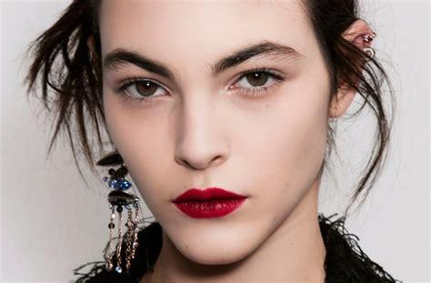 Lipstik Purbasari Bandung 8 aturan wajib saat mengenakan lipstik merah bandung