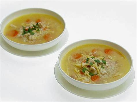 pastina soup recipe by giada de laurentiis giadaweekly lemon chicken soup with spaghetti recipe giada de