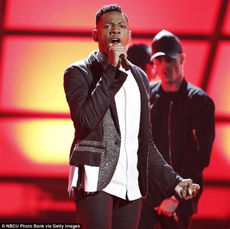 usher mars adam levine and alicia keys honor prince on the voice