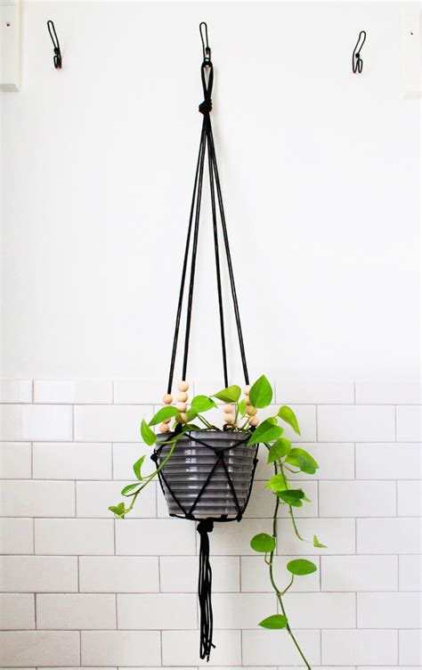 Hanging Macrame Planter - diy macrame plant hangers to craft in your spare time
