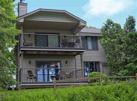 Door County Condo Rentals by Wisconsin Bed And Breakfast