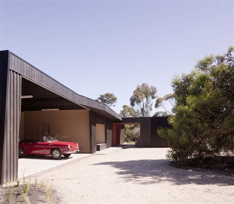 houses with courtyards in the middle house with courtyard in the middle in australian outback