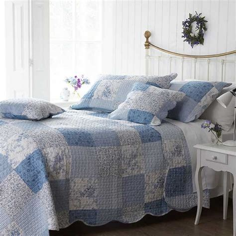 Quilted Bedspreads Sashi Patchwork 100 Cotton Quilted Bedspread Blue