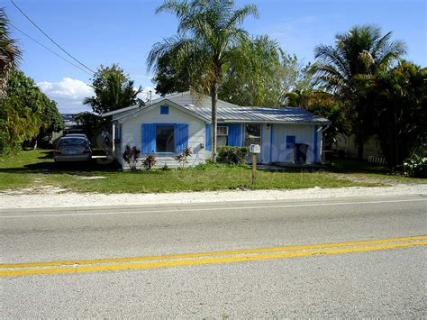 Of Florida Real Estate Mba by 2639 Bridgeview St Matlacha Fl 33993 Home For Sale And