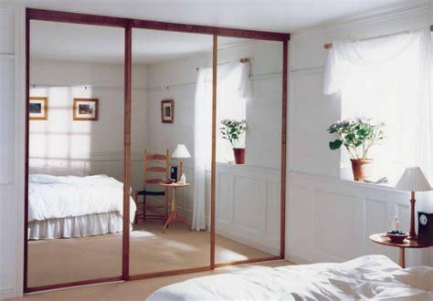 Closet Door Mirror Sliding by Sliding Closet Doors For Bedrooms Trendslidingdoors