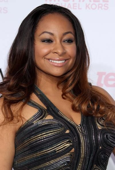 raven haired celebrities raven symone s two tone curls celebrity clothes