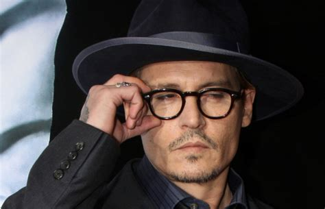 johnny depp perankan penemu antivirus mcafee uzone johnny depp jadi penemu anti virus komputer di king of the