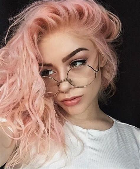 perfect wedding hairstyle medusa and a glass of bubbly the 25 best round face bob ideas on pinterest round