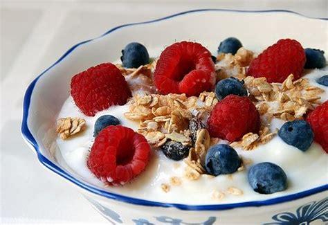 emorroidi e alimentazione cosa mangiare alimentazione emorroidi alimenti s 236 e cibi da evitare