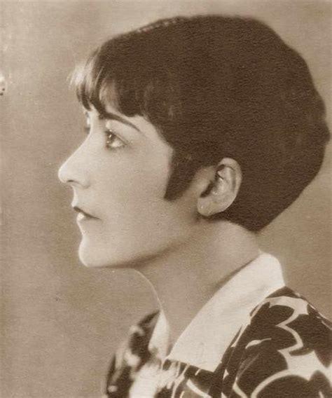 1920s shingles bob haircut images iconic 1920s hairstyle the pringle shingle paperblog