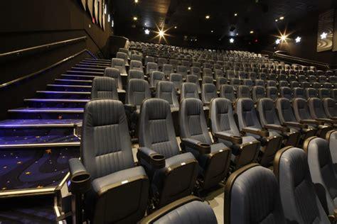 cineplex recliner seats cineplex s diversification pays off in profit toronto star