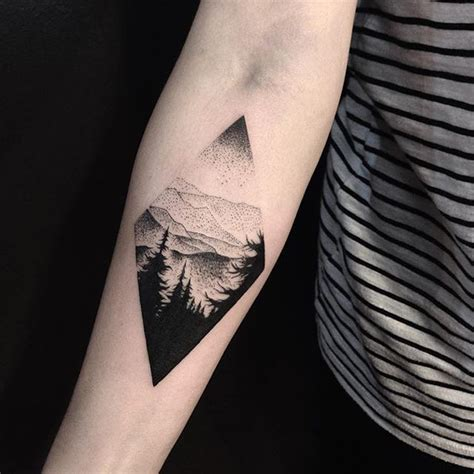 geometric tattoo friendship 3 668 likes 77 comments the art of tattooing