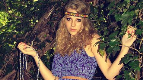 figli dei fiori abbigliamento carnevale vestiti hippie anni 60