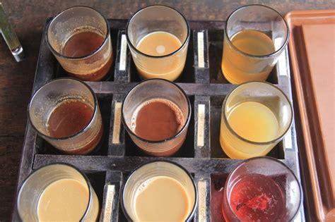 Teh Ginseng Merah menikmati kebun kopi dan keramahan petani balebengong