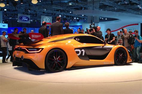 renault race cars renault reveals new 493bhp racing car