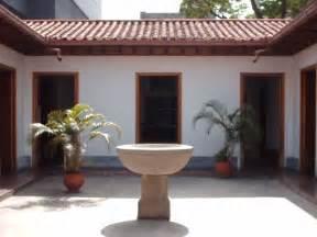 file patio central casa de bol 237 var jpg wikimedia commons