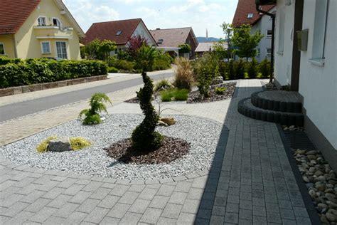 Neuen Rasen Mähen 4734 by Landschaftsbau Hoffmann Gartengestaltung