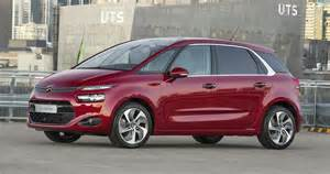 2015 citroen c4 picasso pricing and specifications   photos 1 of 4