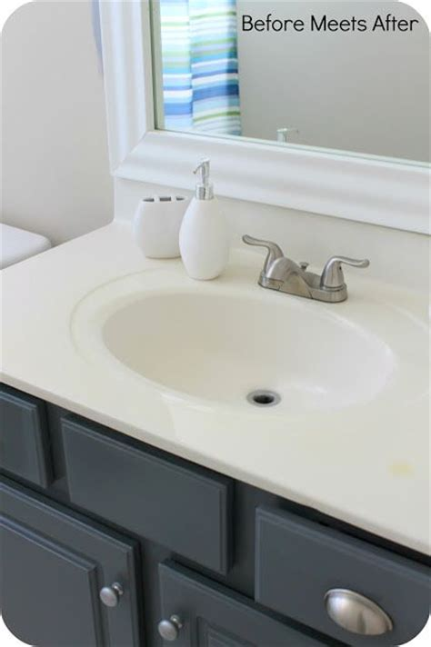 Painting A Bathroom Vanity White by 60 Best Paint Colours Images On Chalk Painting