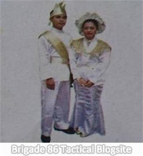 Nama Baju Daerah Sulawesi nama nama pakaian adat daerah lengkap dengan gambar dan keterangan brigade 86 cara cepat