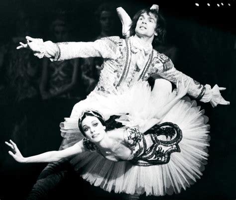 Karung Kain kain leads the national ballet nuvo