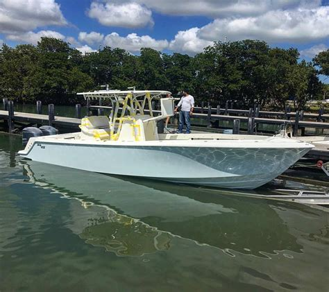 sea vee boats facebook sea vee boats a new 320b gets splashed for a shake down