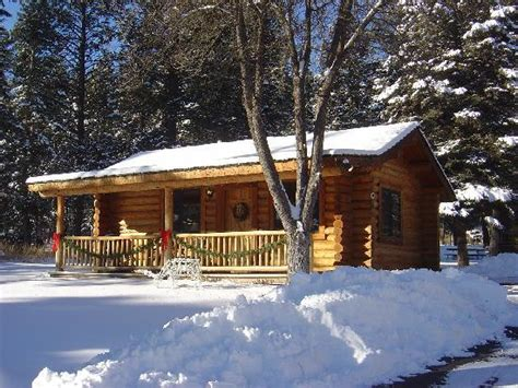 Cabin In Snow by Cabin In The Snow Picture Of Somers Bay Log Cabin