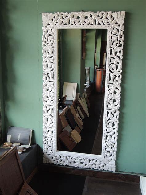 cornice per specchio specchio da parete con cornice in legno decapata