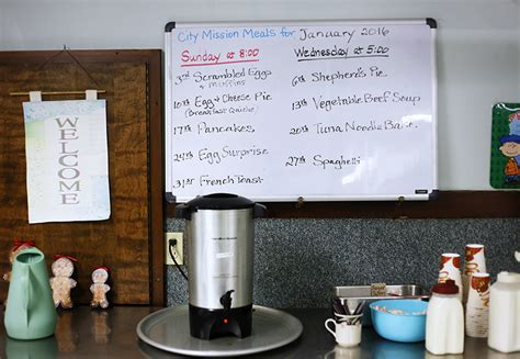 soup kitchens in portland maine hunger drives more mainers to soup kitchens the portland