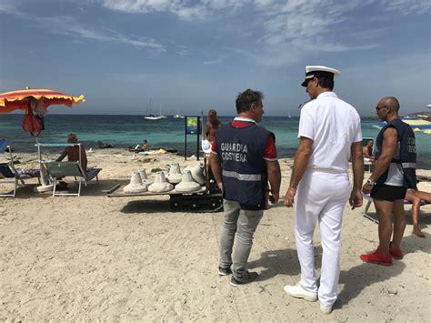 ufficio turismo favignana furbetti dell ombrellone blitz della guardia costiera a