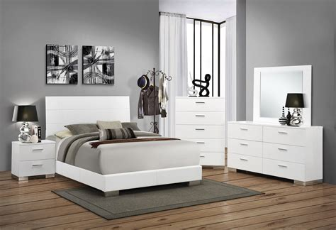 coaster felicity 5 piece panel bedroom set in glossy white