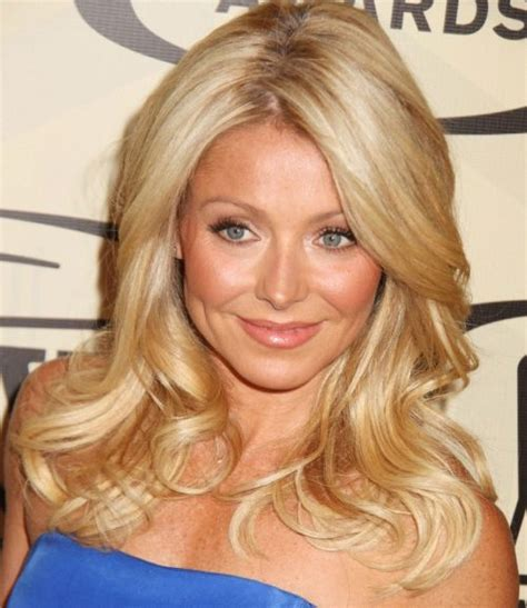 how do they curl kelly rippas hair kelly ripa long wavy hairstyle prom formal