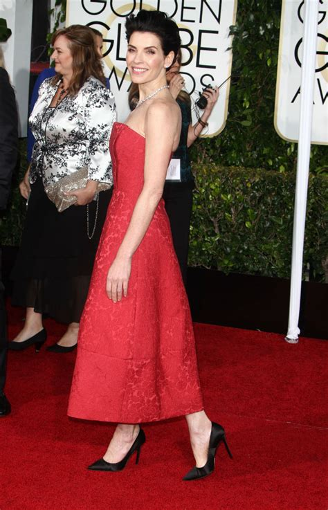 2015 golden globes julianna margulies golden globes 2015 fashion celebrity moms today s parent